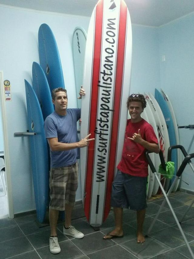 (da esq. a dir.): Zeca, gerente da marca Sylvio Zampol e eu