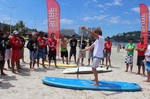 Curso prático de formação e atualização de instrutores de surf