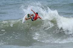 caio-costa-hang-loose-surf-attack-foto-munir-el-hage