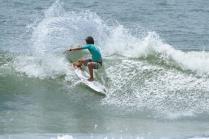 eduardo-motta-hang-loose-surf-attack-foto-munir-el-hage2