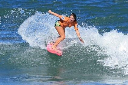Yohana Sarandini Surf Trip SP Contest Camburi Foto Munir El Hage.