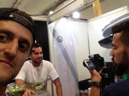 Guilherme Paz, em entrevista para o Surfista Paulistano, com o videomaker Fernando Pereira