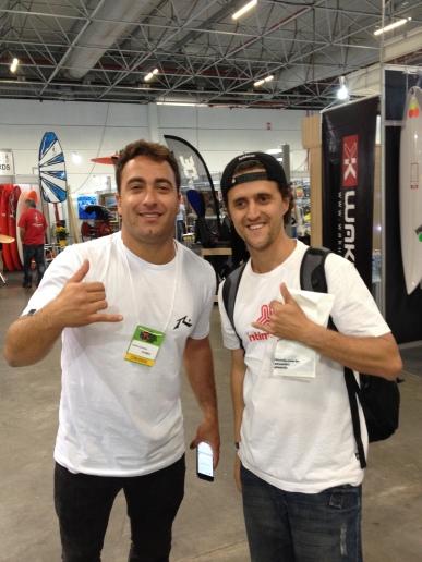 Felipe (Gordo) Cesarano, com João Carlos Godoy, editor do Surfista Paulistano